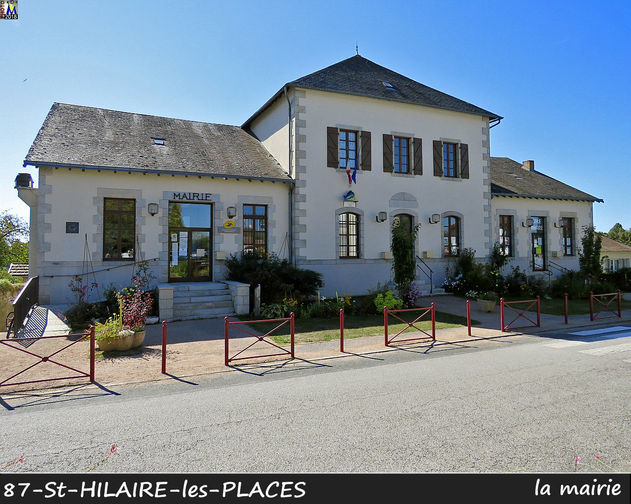 87StHILAIRE-PLACES_mairie_1000.jpg