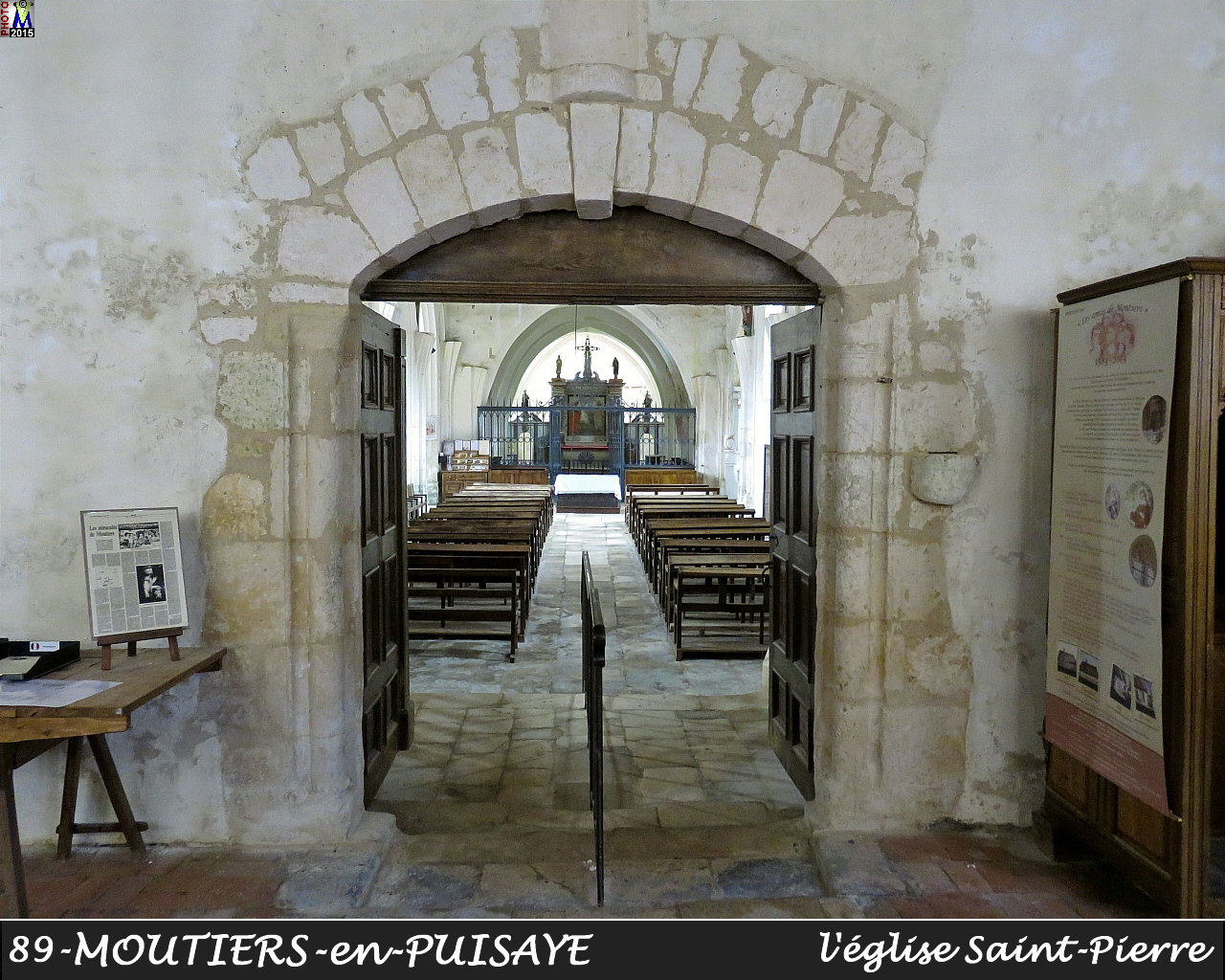 89MOUTIERS-PUISAYE_eglise_204.jpg