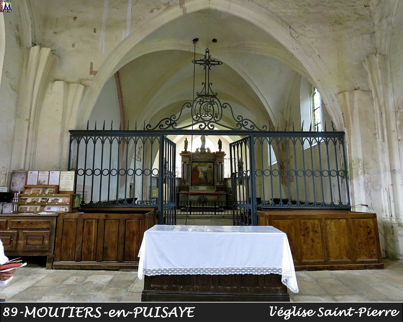 89MOUTIERS-PUISAYE_eglise_212.jpg